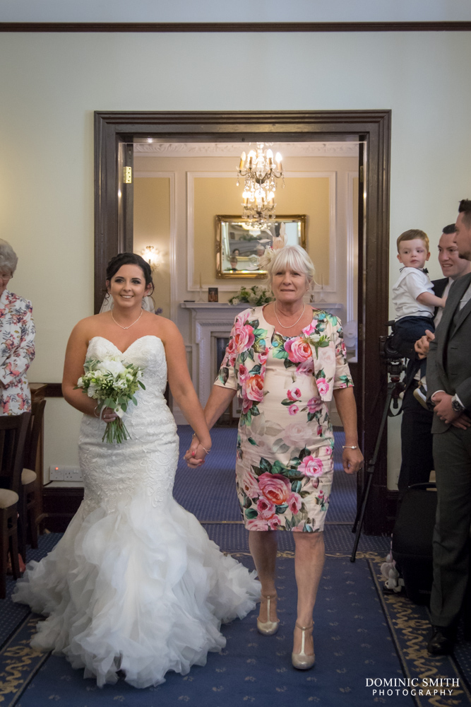 Brides arrival at The Mansion